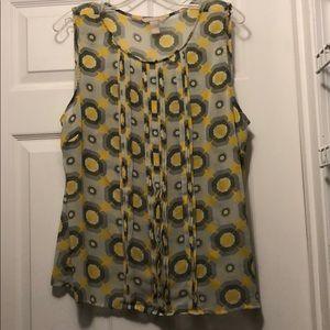Pleated Sleeveless Blouse w/ Yellow & Gray Pattern